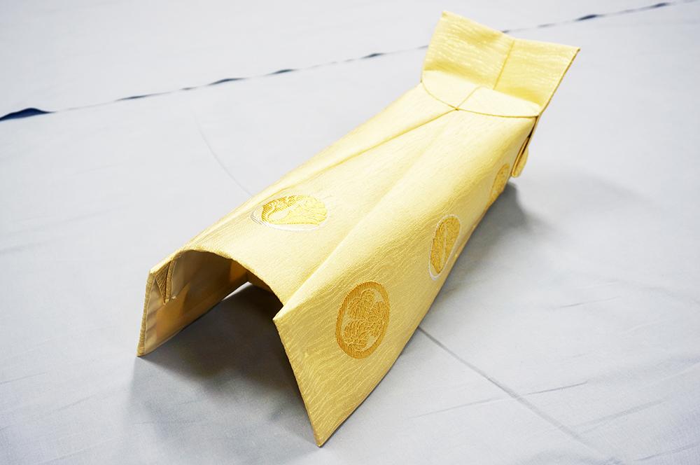 白茶地細波厚地金紗 盛上げ紋9個織込品 水冠