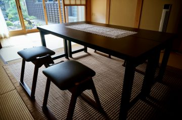 座敷用木製法事机・椅子